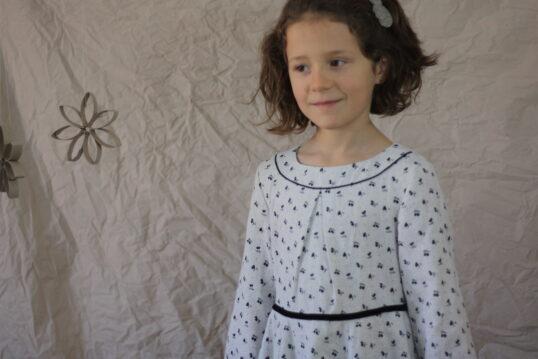 Encolure robe Mauka avec passepoil