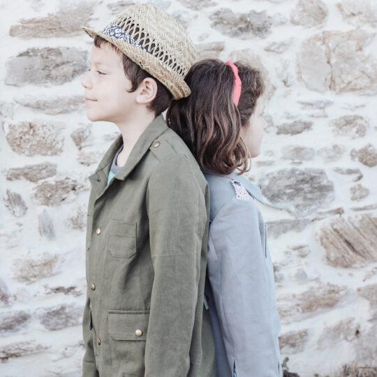 Duo de Balaguère, une version zippée pour fille et une version boutonnée pour garçon